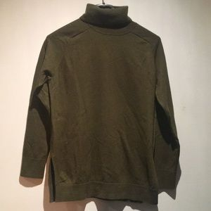 Theory Green Wool Turtleneck Size S/P